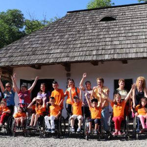 Active rehabilitation camp for children who use wheelchairs