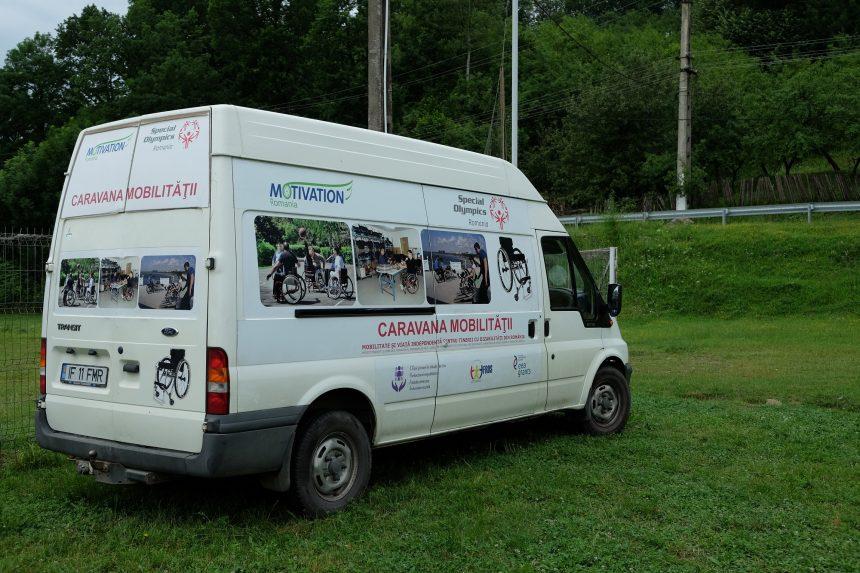Caravana mobilităţii si traiului independent ajunge în judeţul Dâmbovița