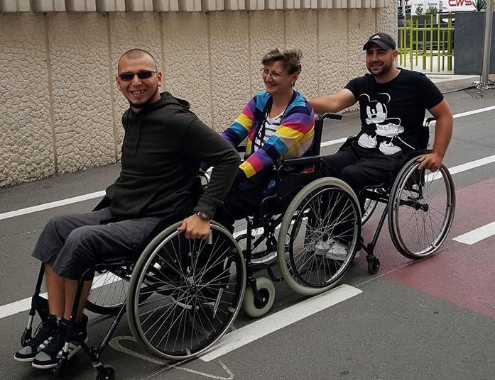 """Proiectul """"Parteneri pentru Servicii de Viață Independentă"""" a ajuns la final. 67 de persoane cu leziuni medulare au aflat mai multe despre un trai independent"""