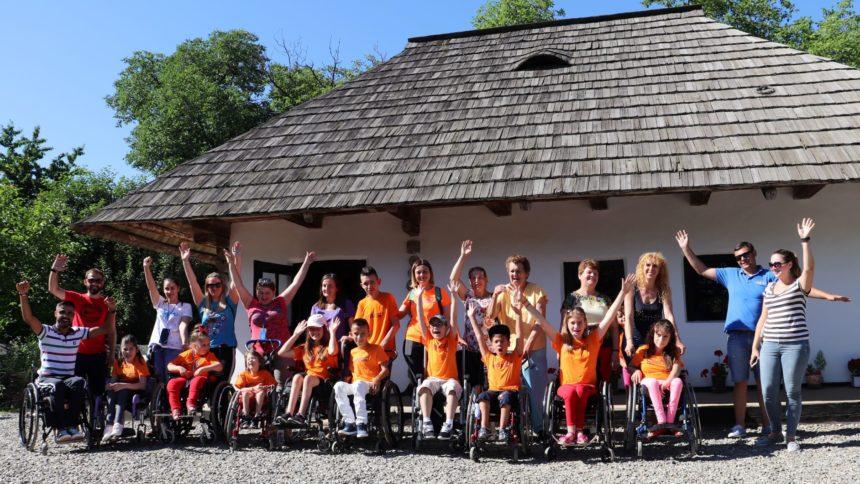 Tabără de recuperare activă pentru copii utilizatori de scaune rulante